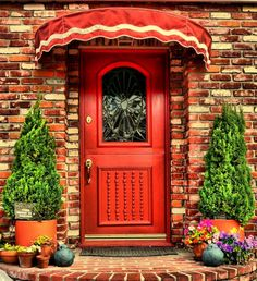 Red door and awning ... very welcoming