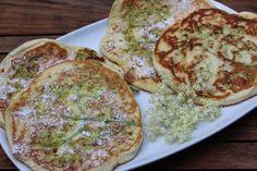 Pancakes mit Holunderblüten