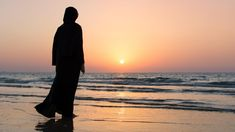 When you start to practice Islam this does not mean you have to give up your hobbies. If one thing is haram, a hundred other things are halal alhamdulillah! Muslim Girls, Muslim Women, Cool Girl Pictures, Girl Photos, Hijab Hipster, Enjoying The Small Things, Love Poetry Images, Night Scenery, Islamic Girl