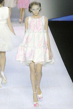 Giambattista Valli Spring 2008 Ready-to-Wear Fashion Show - Kasia Struss