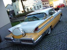Ford Mercury with Continental Kit