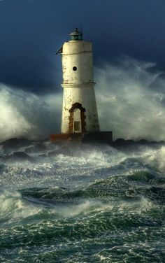 Find images and videos about ocean, mar and storm on We Heart It - the app to get lost in what you love. Beautiful World, Beautiful Places, Beautiful Pictures, Fuerza Natural, Lighthouse Pictures, Stormy Sea, Beacon Of Light, Places To Go, Gifs