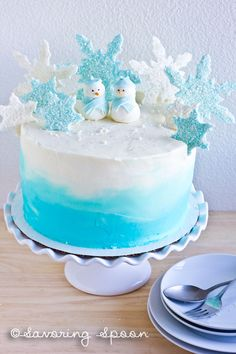 Winter Wonderland Ombre Cake - this is so gorgeous!!