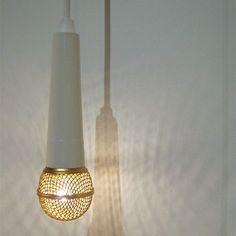 Uma luminária no formato de microfone!
