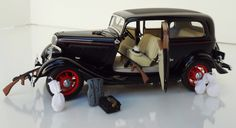 """""""John Dillinger Edition"""" Issued by the Franklin Mint in 2001 & it is scale. The replica is finished in Black with Red Stripes & Wheels. Public Enemies, Red Stripes, Tudor, Antique Cars, Ford, Vintage Cars"""