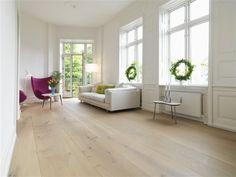 Inspiratie voor de woonkamer - Moderne meubels houten vloer
