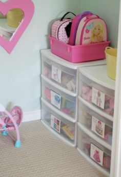 ~Toy Room Organization~ Plastic craft storage drawers from the discount stores are great for organising toys, add a photo to the front for easy packing away Craft Storage Drawers, Plastic Storage Shelves, Plastic Drawers, Plastic Bins, Storage Containers, Barbie Storage, Doll Storage, Kids Storage, Cheap Storage