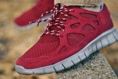 separation shoes 3c8a1 b05aa Nike Free Run+2 - Burgundy   Black