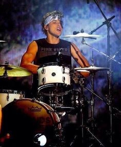 I was so proud of them tonight!! But even more seeing how beautiful Ashton Irwin is.
