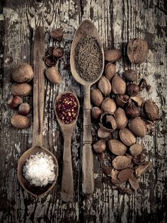 Brown is such an *alive* color, comes in many tones. Brown is such an *alive* color, comes in many tones. Dark Food Photography, Spices And Herbs, Brown Aesthetic, Food Styling, Food Art, Spice Things Up, Herbalism, Island, Warm Browns