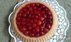 A heavenly, vegan and no-bake coconut creme pie, crowned with a layer macerated strawberries. Like berries and cream, but elevated and healthified. Strawberry Topping, Strawberry Recipes, Dry Coconut, Coconut Cream, Wheat Free Recipes, Pie Dessert, Vegan Treats, Tart Recipes, Kuchen