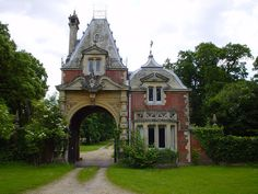 Gatehouse by lildude, via Flickr