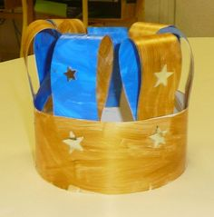 Sempre criança: Dia de Reis Mais Diy Crafts To Do, Crafts For Kids, World Thinking Day, Kids Hats, Activities For Kids, Free Pattern, Christmas Crafts, Coffin Nails, Château Fort
