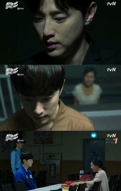 "[XP인터뷰①] '싸우자 귀신아' 권율 ""악귀 역할 부담감, 감독님만 믿었죠"" | 엑스포츠뉴스 Bring It On Ghost, Kwon Yool, Dramas, Drama Tv Shows, Korean Actors, Korean Drama, Memes, Jimin, Otaku"