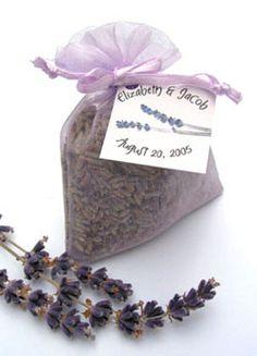 http://4.bp.blogspot.com/-NB4ozsPB3S4/UCbSGzRVpuI/AAAAAAAADYI/pUVsK_GLB9Y/s640/lavender+wedding+favors.jpg