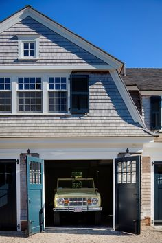 This Chatham Shoreline Oasis by the always amazing Patrick Ahearn Architect is absolutely full of inspiration. Nantucket Style, Shingle Style Homes, Pool Cabana, Indoor Outdoor Living, Coastal Homes, House Goals, Maine House, Beach Cottages, Architecture Details