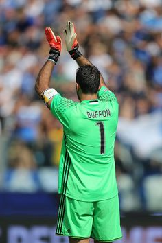 Gianluigi Buffon of Juventus FC during the Serie A match between Empoli FC and Juventus FC at Stadio Carlo Castellani on October 2, 2016 in Empoli, Italy.