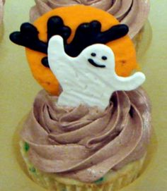cute halloween decorations food options miss moon always makes these awesome halloween wallpaper halloween pinterest - Halloween Decorations Cupcakes