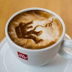 ¡Bienvenida la taquicardia! Arte en el café que hará que quieras tomarte 20 tazas ⋮ Es la moda