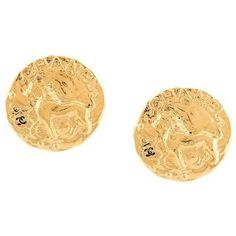 Preowned Chanel Vintage Gold Lion Charm Button Evening Stud Earrings... (5.730 DKK) ❤ liked on Polyvore featuring jewelry, earrings, gold, stud earrings, yellow gold earrings, gold jewelry, pre owned jewelry, gold stud earrings and chanel earrings