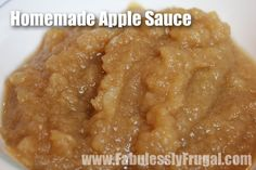 {Pin This} Making your own applesauce is so easy. This homemade applesauce can be made in less than 20 minutes. The best varieties of apples for a good ap How To Make Applesauce, Homemade Applesauce, Applesauce Recipes, Homemade Oatmeal, Apple Recipes, Baby Food Recipes, Fall Recipes, Yummy Treats, Yummy Food