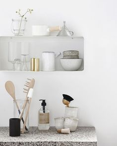 Simpel shelf in cool metal. Perfect for displaying your cherished everyday items ✨⠀ #housedoctordk