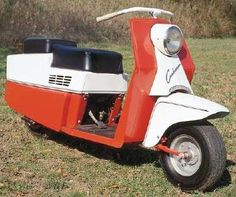 Cushman Pacemaker Motor Scooters, Vespa Scooters, Motor Car, Vintage Motorcycles, Cars And Motorcycles, Scooter Bike, Pedal Cars, Mini Bike, Cycling Bikes