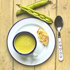 Broad bean, spring onion and oregano soup. The broad beans lend body to this lovely #vegan and #glutenfree soup, complemented perfectly by sweet and tender spring onions and fresh oregano.
