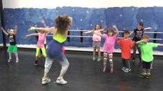 Zumba for Kids-One Direction-That's What Makes you Beautiful Music For Kids, Yoga For Kids, Exercise For Kids, Dance Warm Up, Just Dance, Warm Up For Kids, One Direction Youtube, Zumba Kids, Action Songs