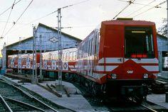 Coche 2000 con el esquema de pintura color rojo deposito de Ventas (1987)
