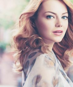 I always argued against Jenna Marbles theory of 'girl crushes' until I realised that I have stage 1 girl crush on Emma Stone. She is just so beautiful! Pretty People, Beautiful People, Beautiful Redhead, Stunningly Beautiful, Naturally Beautiful, Absolutely Gorgeous, Emma Stone Hair, Celebs, Celebrities