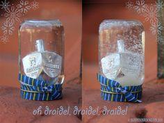 CHANUKAH Dreidel Snowglobe DIY kids craft using recycled baby food jars. Hanukkah Crafts, Hanukkah Decorations, Christmas Hanukkah, Hannukah, Happy Hanukkah, Hanukkah 2016, Jewish Crafts, Kwanzaa, Menorah