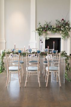 We're so excited to be sharing this London-based styled shoot from Julie Michaelsen Photography with you all today! Led by planners Glimmer & Threads,