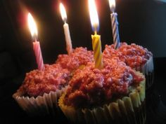 butter believer cupcakes   http://holisticsquid.com/the-best-grain-free-birthday-cakes/