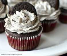 Family, Food, and Fun: Oreo Cupcakes with Swiss Meringue Buttercream Frosting