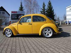 German Look, Bug Car, Vw Cars, Bikinis, Classic, Vehicles, Simile, Motor Sport, Beetles