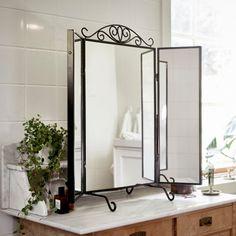 Clássico (e de todos os ângulos). #espelhos #decoração #IKEAPortugal