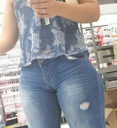 ❤ Sexy Jeans, Sexy Outfits, Beste Jeans, Plus Size Swimsuits, Cropped Skinny Jeans, Girls Jeans, Sexy Women, Clothes, Levis