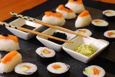 Nigiri sushi.   Cuchillito y Tenedor