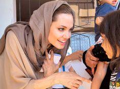Angelina Jolie visitó los campos de refugiados sirios en Jordania