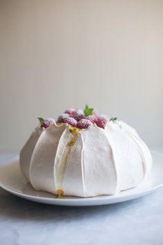 Pavlova with fresh berries & lemon curd - Zoe Bakes. I don't think I've ever had a Pavlova but it's time. Köstliche Desserts, Delicious Desserts, Dessert Recipes, Yummy Food, Passover Desserts, Plated Desserts, Dessert Ideas, Eat Dessert First, Let Them Eat Cake
