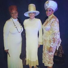Evangelist Jacky Clark-Chisholm, Evangelist Dorinda Clark-Cole, and Evangelist Karen-Clark Sheard at Holy Communion Service at International Holy Convocation, St. Church Suits And Hats, Church Attire, Church Hats, Church Outfits, Church Clothes, Fancy Hats, Big Hats, Karen Clark, Fashion Corner