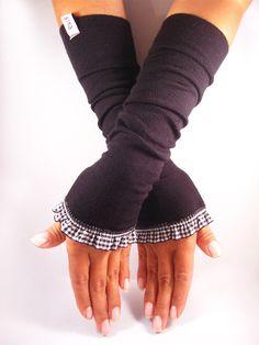 Armstulpen - Stulpen, Armstulpen, Pulswärmer - schwarz, weiß - ein Designerstück von elkesita bei DaWanda
