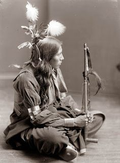 Today's picture is from 1900, and shows a Sioux Indian man. The picture was taken by Gertrude Kasebier, who took a number of portraits of Native Americans.