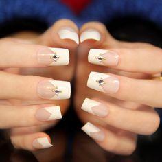 Make French nails yourself at home - Nail Designs Shellac Nails Fall, French Acrylic Nails, French Nail Art, Nail Manicure, Red French Manicure, French Tip Nails, Nail Length, Modern Nails, Party Nails