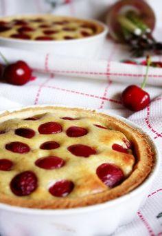 Crostata mit Ricotta, Pistazien und Kirschen: http://www.gofeminin.de/kochen-backen/kirschen-d20905c275645.html