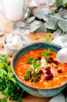 Marokkaanse Pompoensoep met kokosmelk | Elien's Cuisine - Lekkere en gemakkelijke recepten One Pot Meals, Easy Meals, Healthy Soup, Healthy Recipes, Morrocan Food, Middle East Food, Good Food, Yummy Food, Happy Foods
