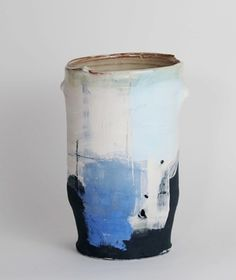 'Calm Blue Vessel II' - Inspired by mark-making and painting, Barry takes… Ceramic Pottery, Pottery Art, Ceramic Art, Pottery Sculpture, Japanese Ceramics, Japanese Pottery, Contemporary Ceramics, Contemporary Art, Earthenware Clay