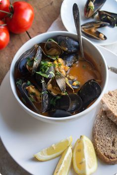Mussels in Creamy Fennel Tomato Broth -- impress your guests with this surprisingly fast, easy and tasty dinner!  #spon @kroger