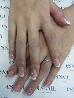 Back to basic - white french nail